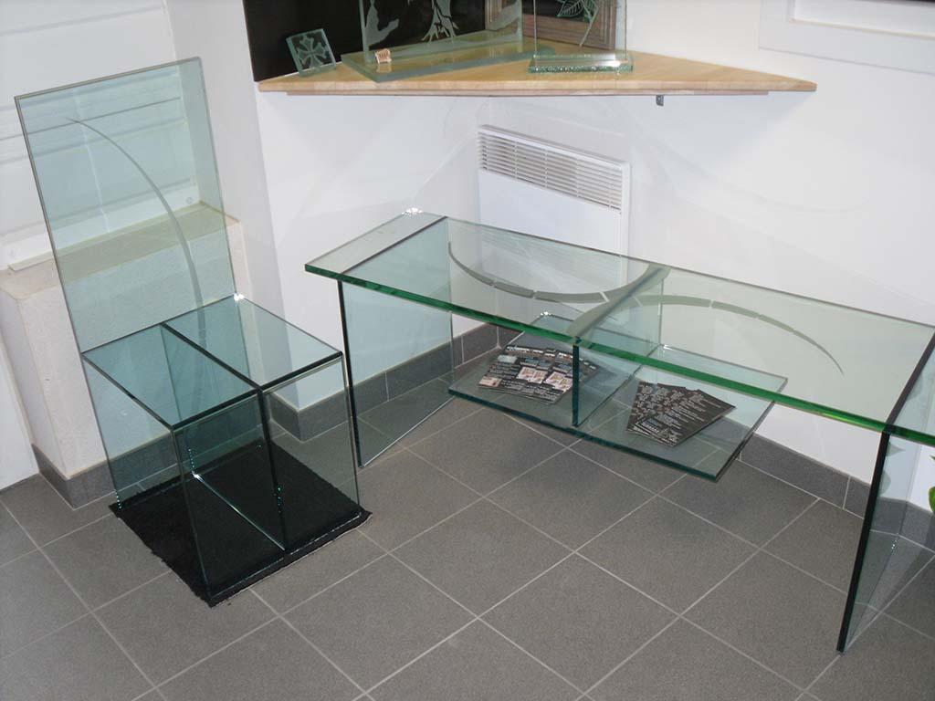 Chaise-en-verre-épaisseur-19-mm-et-table-basse