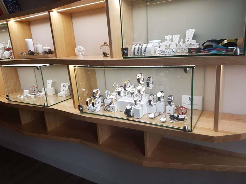 Cloche en verre pour magasin de bijoux