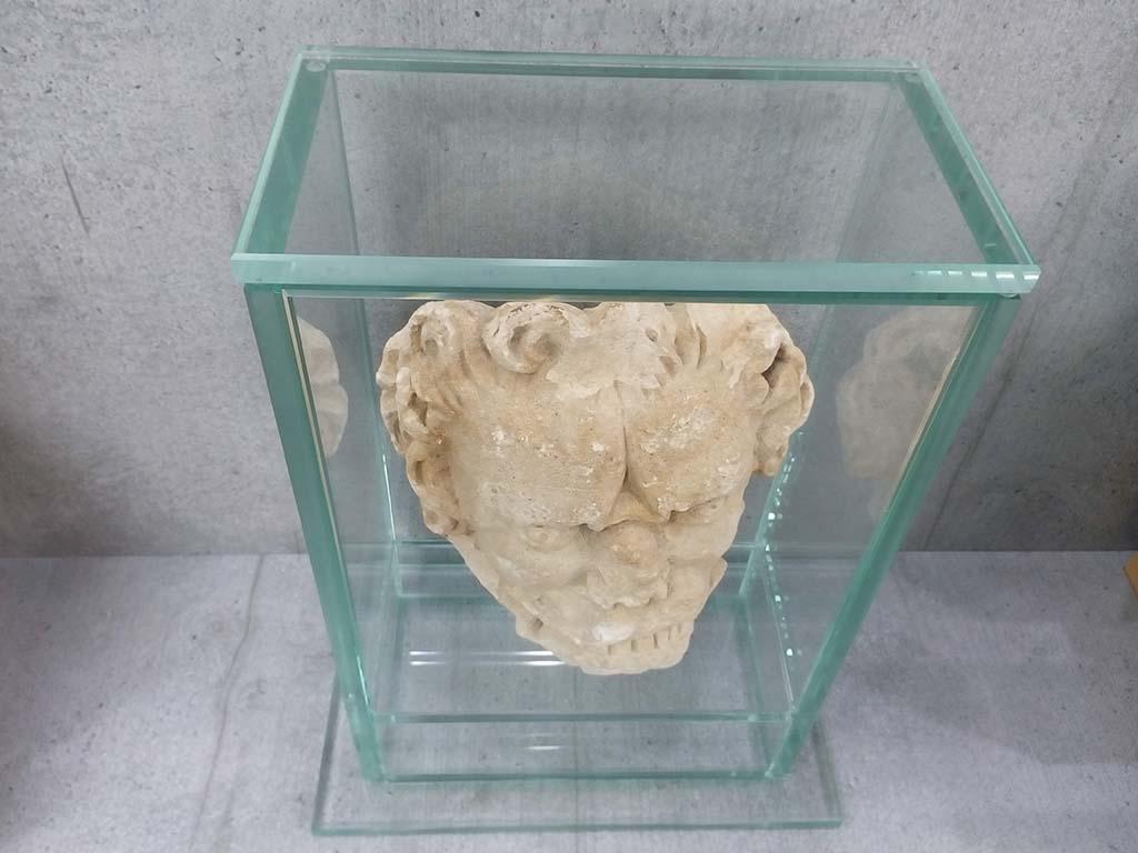 Verre & Bois : cloche de 5 faces avec socle collage au UV