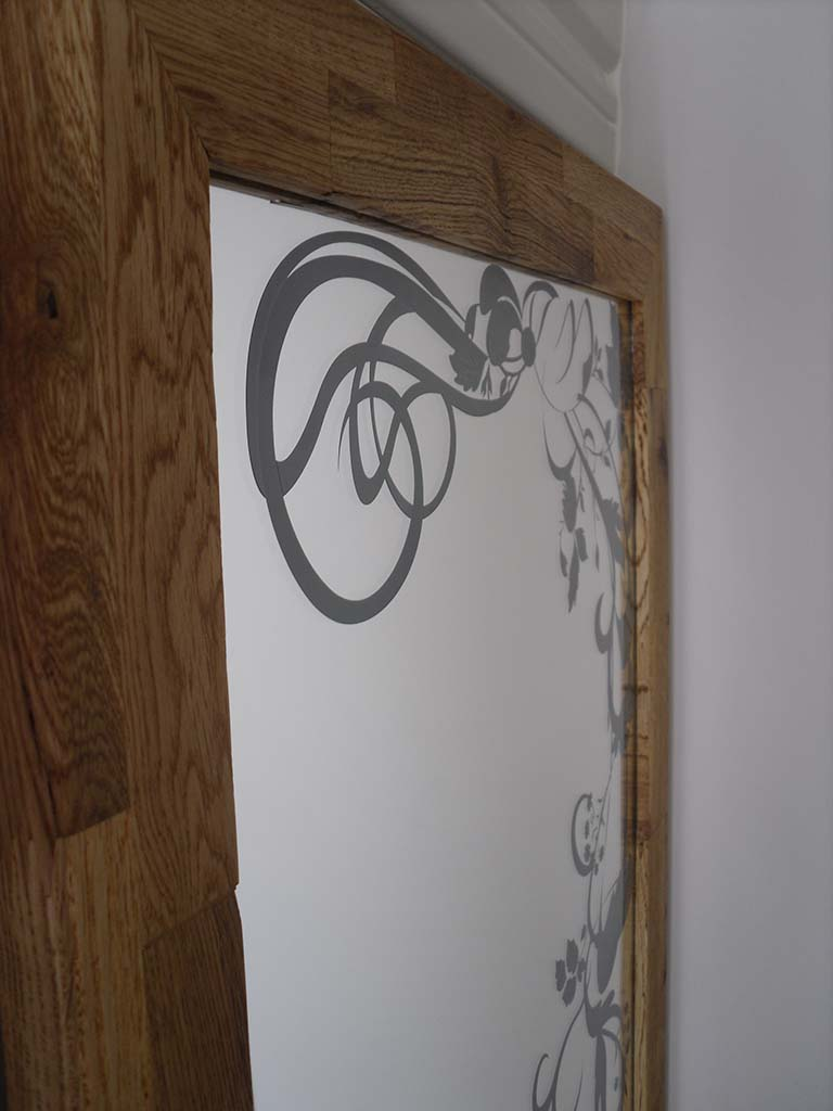 Miroir-avec-gravure-arabesque
