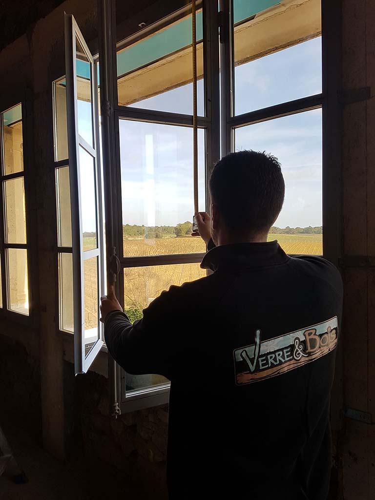 Remplacement de vitre : prise de mesure à domicile